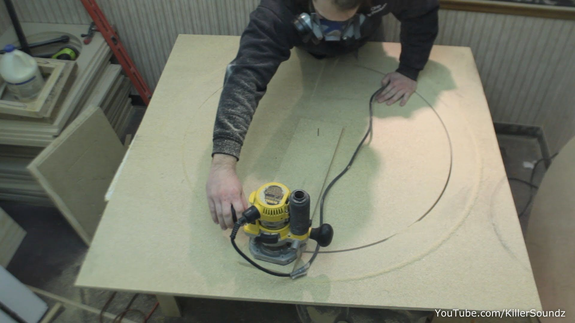 How To Make A Large Circle Jig Quick Easy Router Tips Woodworking Jigsaw Wood Crafts Kids Woodworking Tips