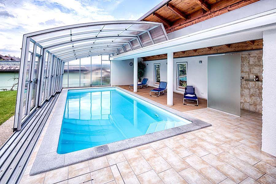 Poolhaus mit schwimmbad berdachung gartengestaltung 02 for Garten pool erfahrungen