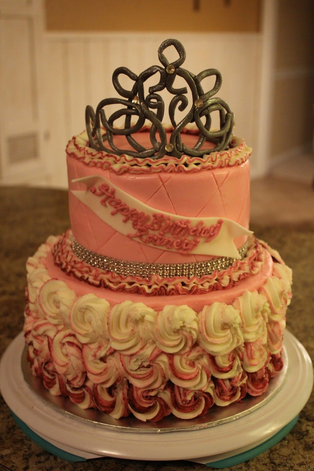 Queen Birthday Cakes Pictures