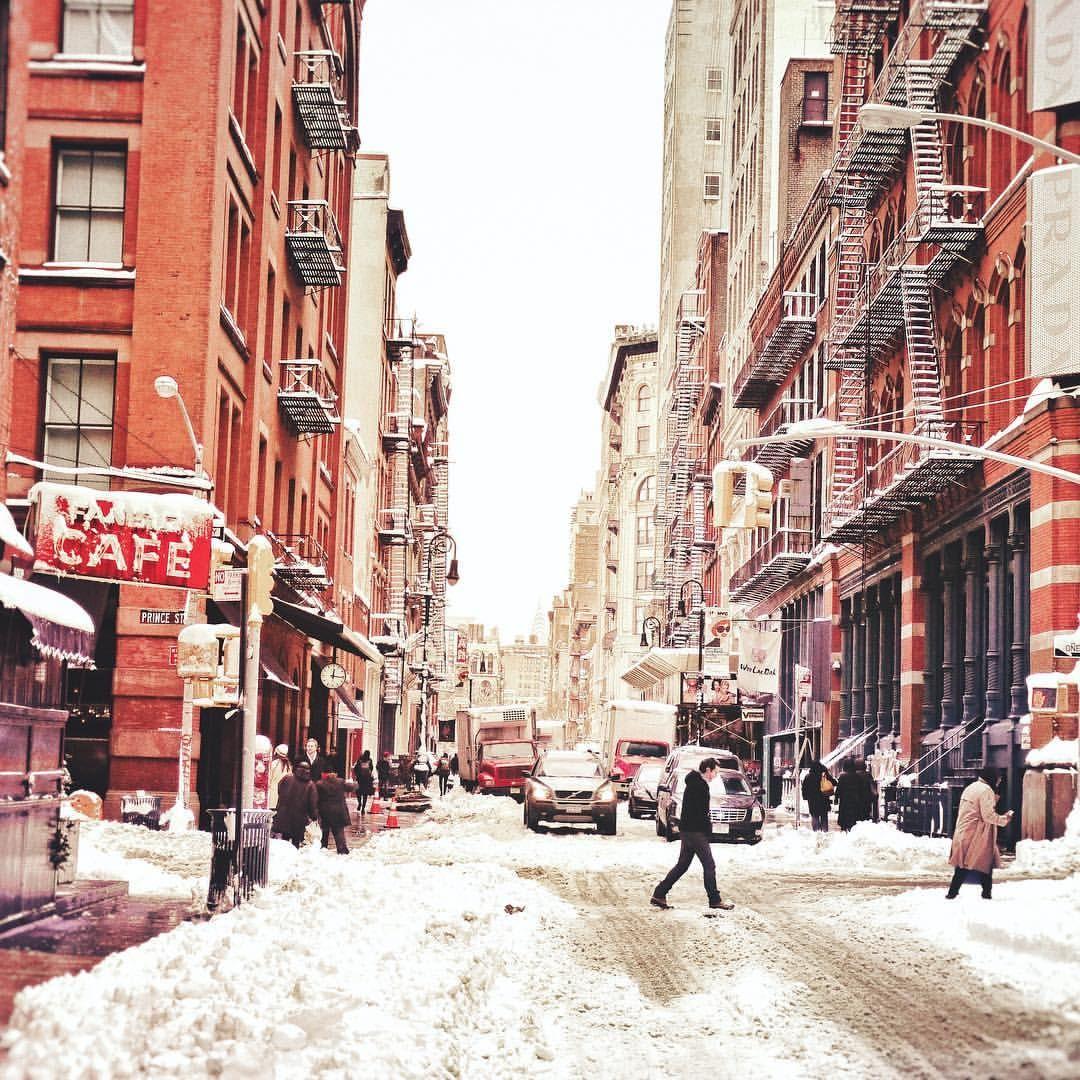Soho New York City by Vivienne Gucwa @travelinglens | newyork newyorkcity newyorkcityfeelings nyc brooklyn queens the bronx staten island manhattan