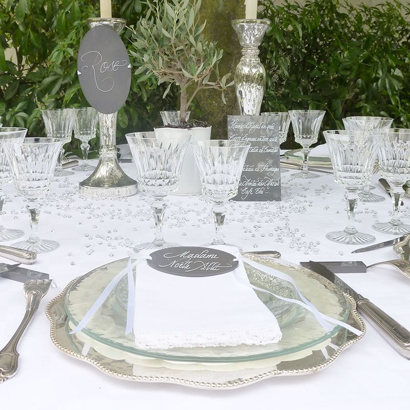 menu nom de table marque place calligraphi s sur plexiglas blanc mariage menu plexiglas. Black Bedroom Furniture Sets. Home Design Ideas