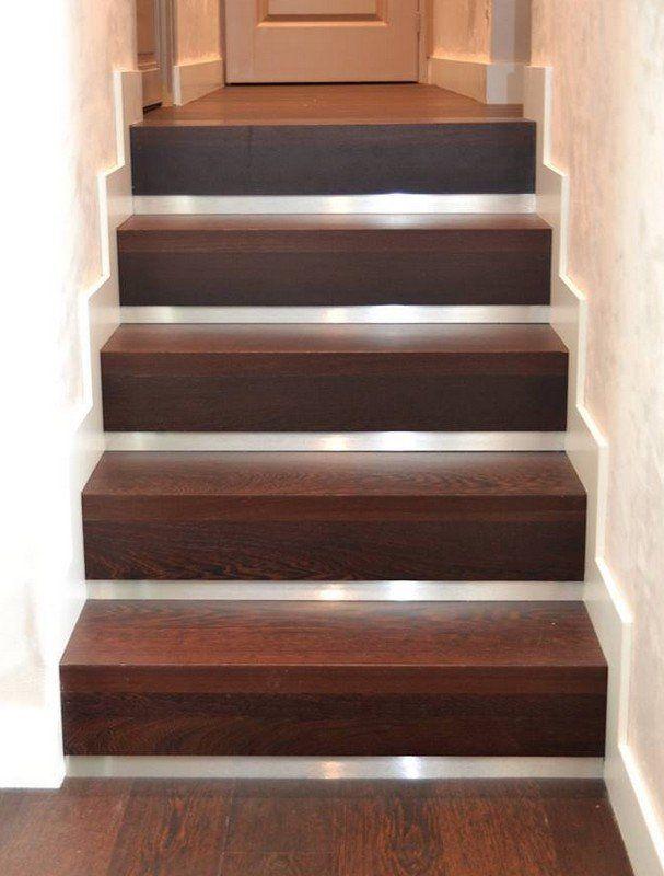 habillage d 39 escalier b ton avec marches en bois et. Black Bedroom Furniture Sets. Home Design Ideas