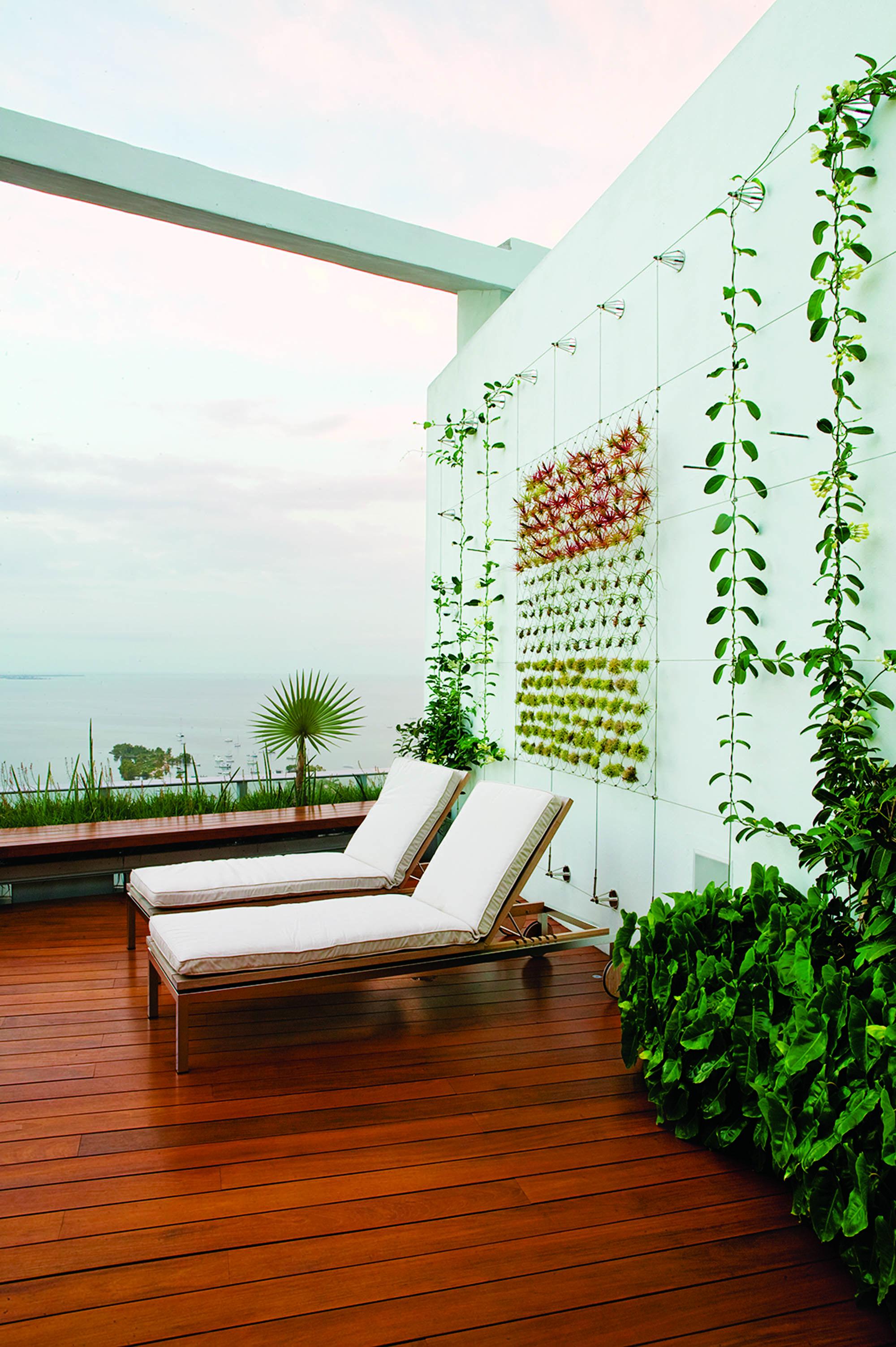 Raymond Jungles Grovenor Rooftop Garden