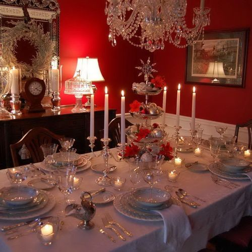 Elegant Christmas Dining Room Decoration With Beautiful Tablescape Table Setting Silver Tiered Candlesticks