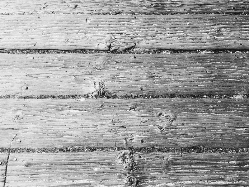 IB pier wood texture