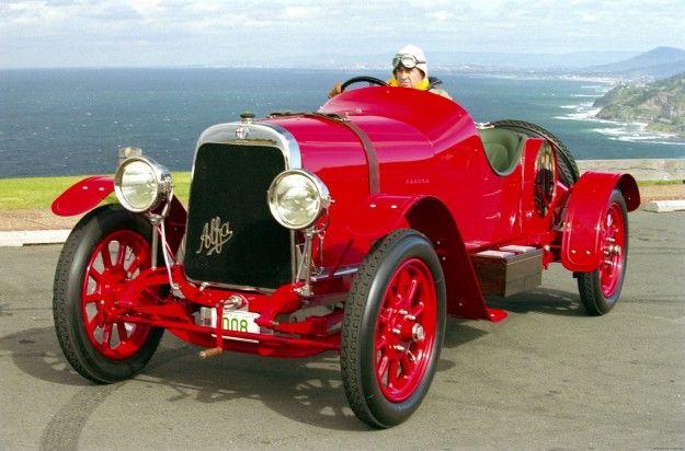 My Blog About Cars Fanfreakingtastic Alfa Romeo Giulietta Rear 1 Alfa Romeo Alfa Cars Alfa Romeo Cars