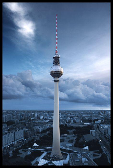 berliner fernsehturm berlin germany places i love pinterest fernsehturm berlin. Black Bedroom Furniture Sets. Home Design Ideas