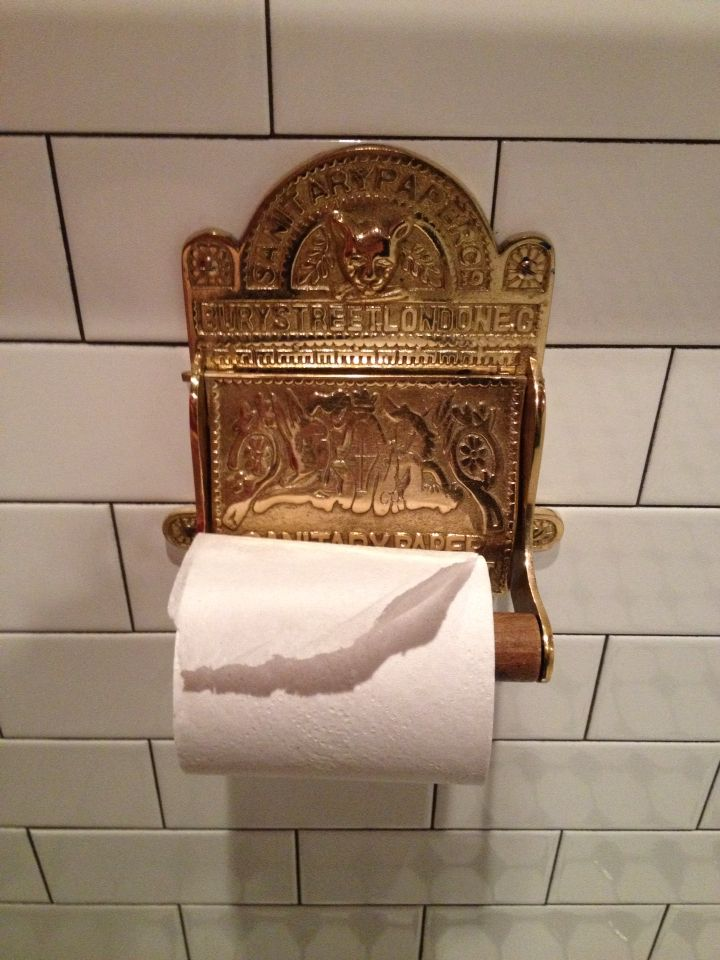 Didn T Realize I Wanted A Fancy Schmancy Toilet Paper Holder Til Saw One At Cute Pub In Liz Pa