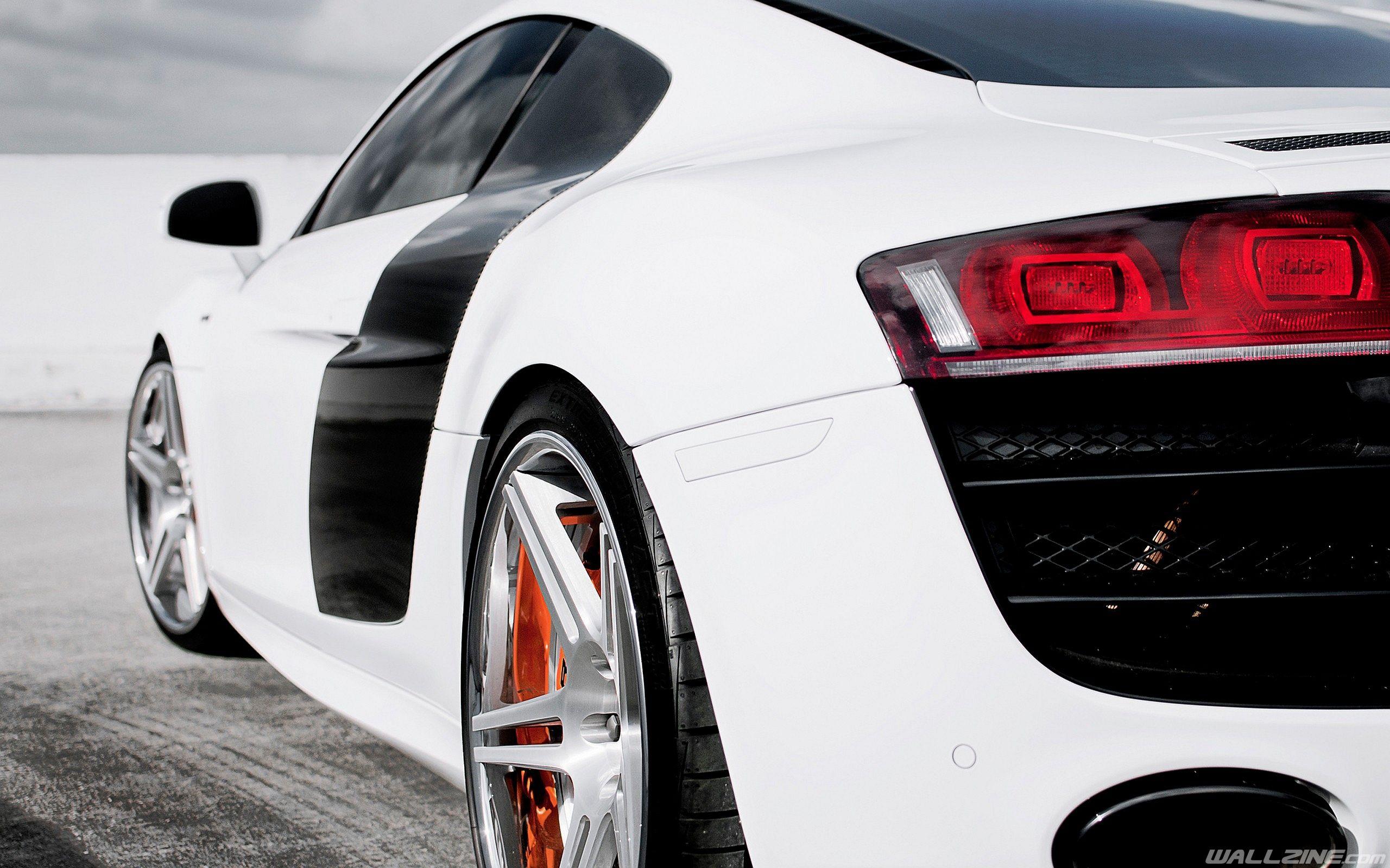 Fantastic Tail Lights Hd Desktop Wallpaper Wallzine Com Car Car Bmw Car Super Cars