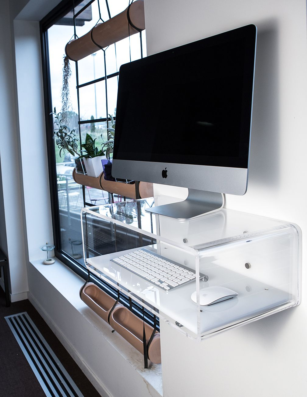 Studio designtrasparente pinterest consoles modern elegant and modern transparent acrylic console for imac and desktop ideal for use with imac geotapseo Gallery