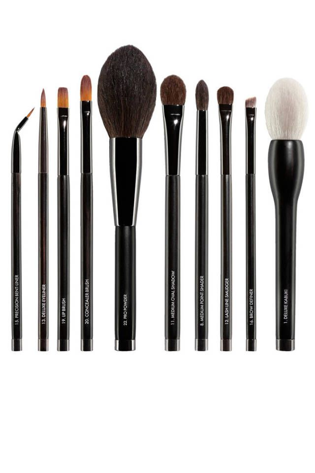 The 13 Best Makeup Brush Sets To Gift This Holiday Season Makeup Brush Set Makeup Brush Set Best Makeup Brushes Gift