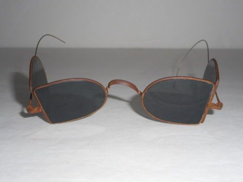 2dd038c3bc6b Rare Victorian 1800 s Double D Folding Antique Sunglasses in Antiques