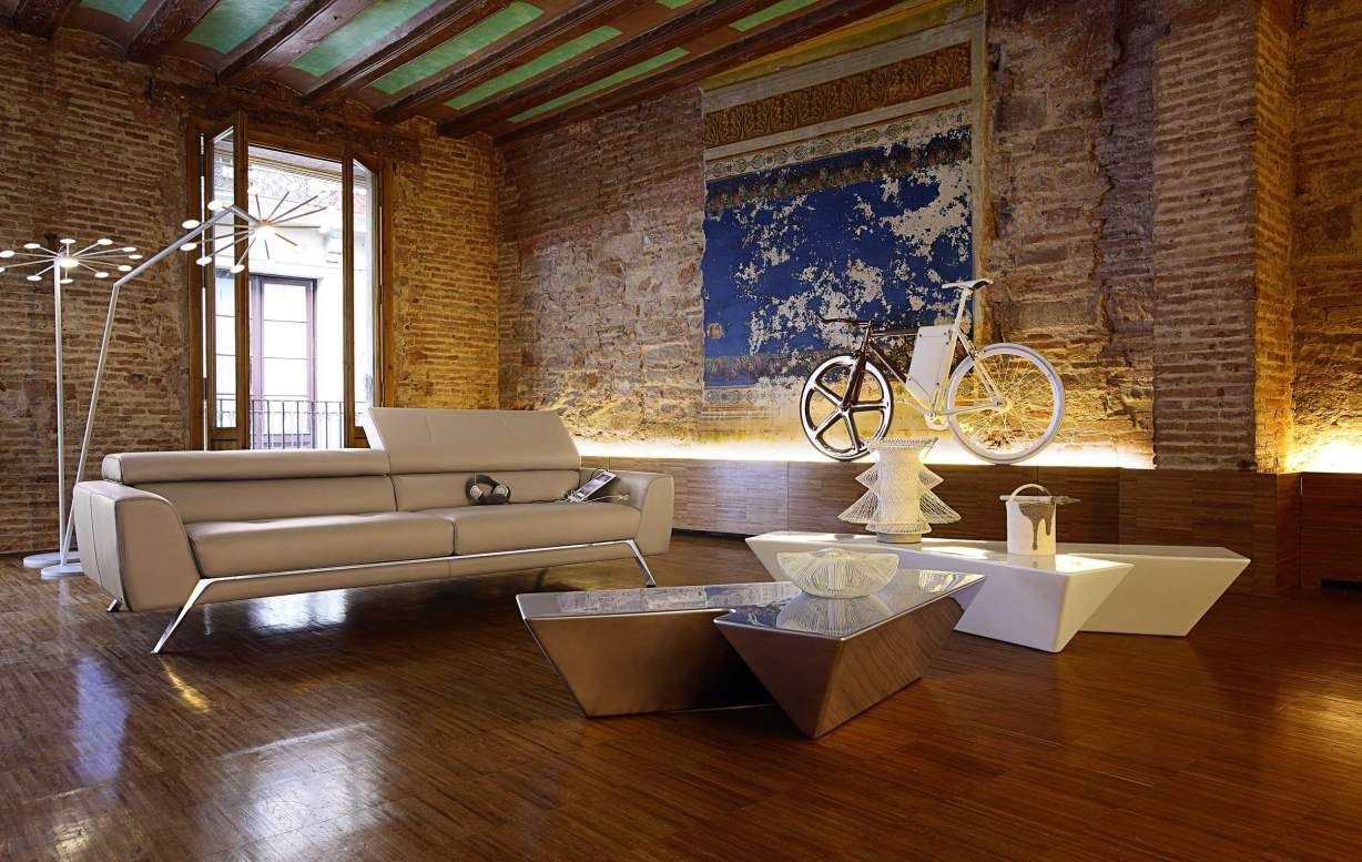 Roche Bobois - Collection Les Contemporains Love the coffee tables and floor lamps