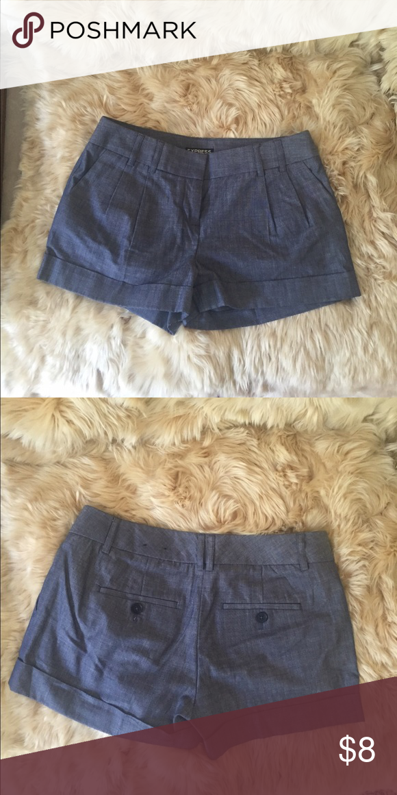 Express shorts🌻 Express dress shorts. Pleated front, large front pockets. Cuffed bottoms. Back pocket detailing. Size 0. Cute with a pair of wedges. Express Shorts
