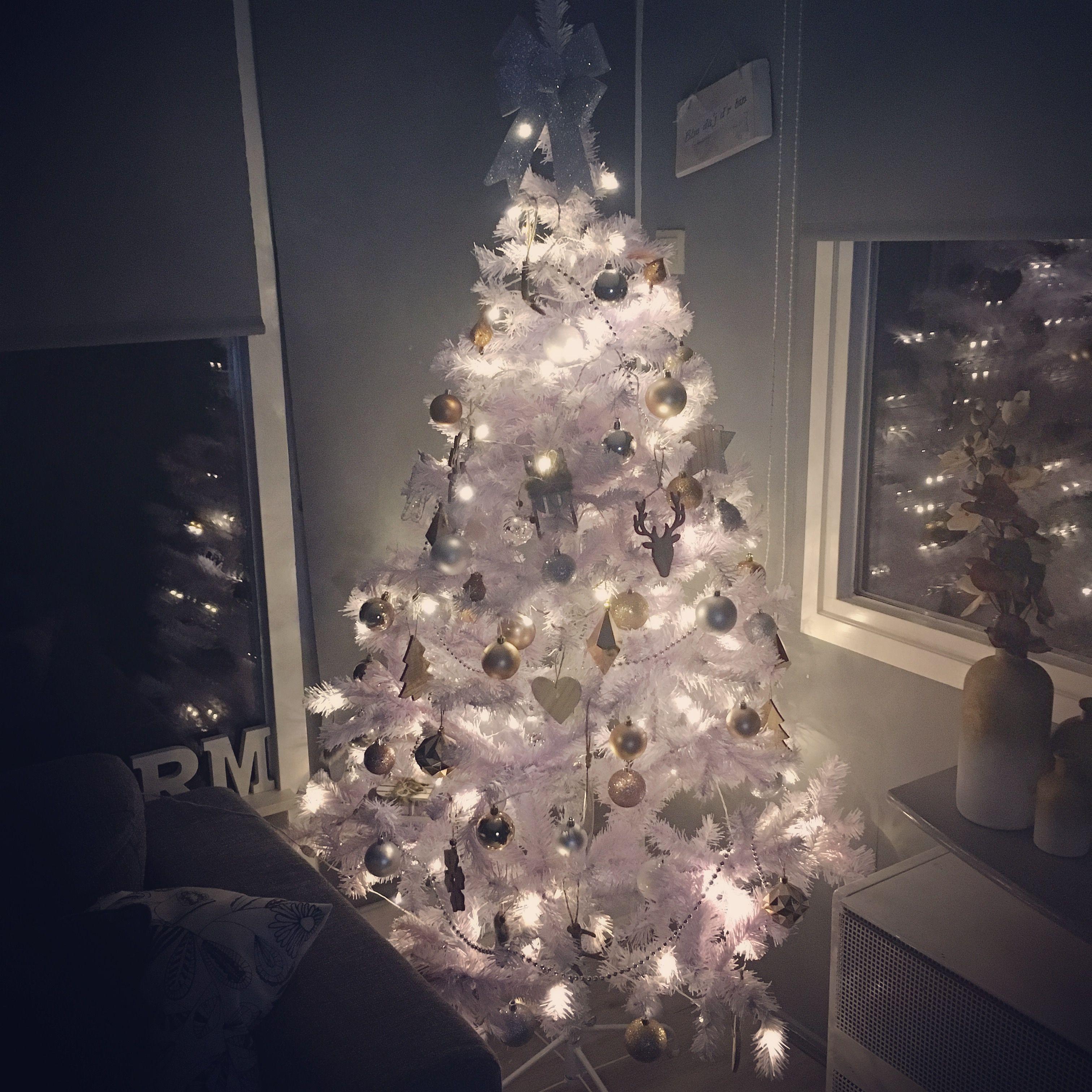 Witte Kerstboom Met Hout Zilver En Rose Decoratie Witte Kerstboom Decoratie Kerstboom