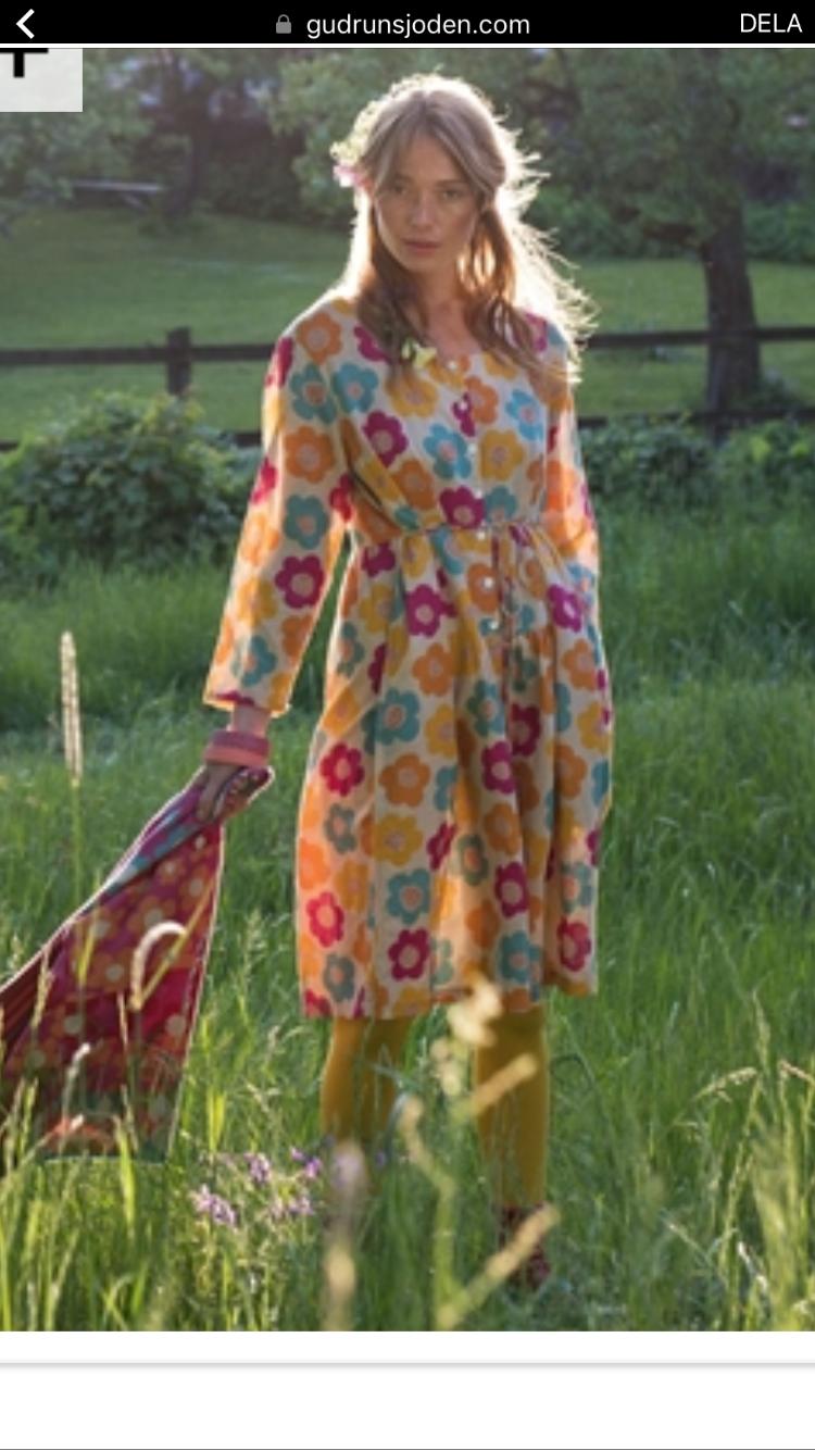Charmant Monsun Hochzeit Outfits Ideen - Brautkleider Ideen ...
