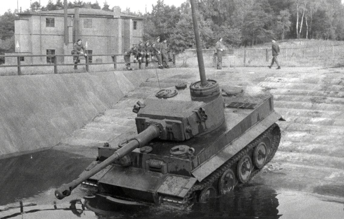 Tiger 1 with snorkel?? Anyway it's going for a swim.