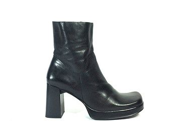 04b83649c14c Black Leather Platform Ankle Boots 8 - Chunky High Heel Boots 8 - Grunge  Gothic Club Kid Biker Boots 8