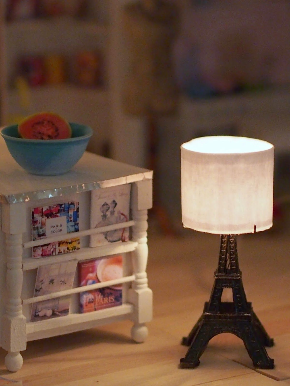 how to: miniature Eiffel tower lamp