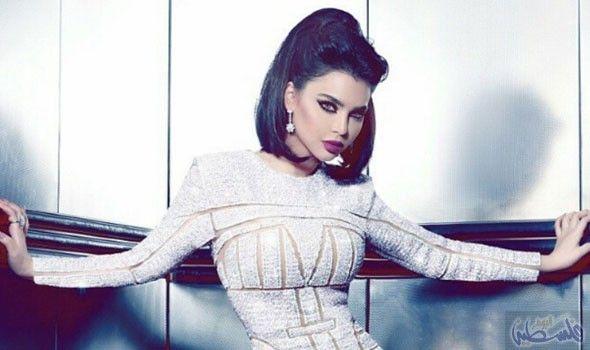 قمر تكشف عن تعاونها مع فادي حديد لتصوير أغنية Fashion Turtle Neck Sweaters