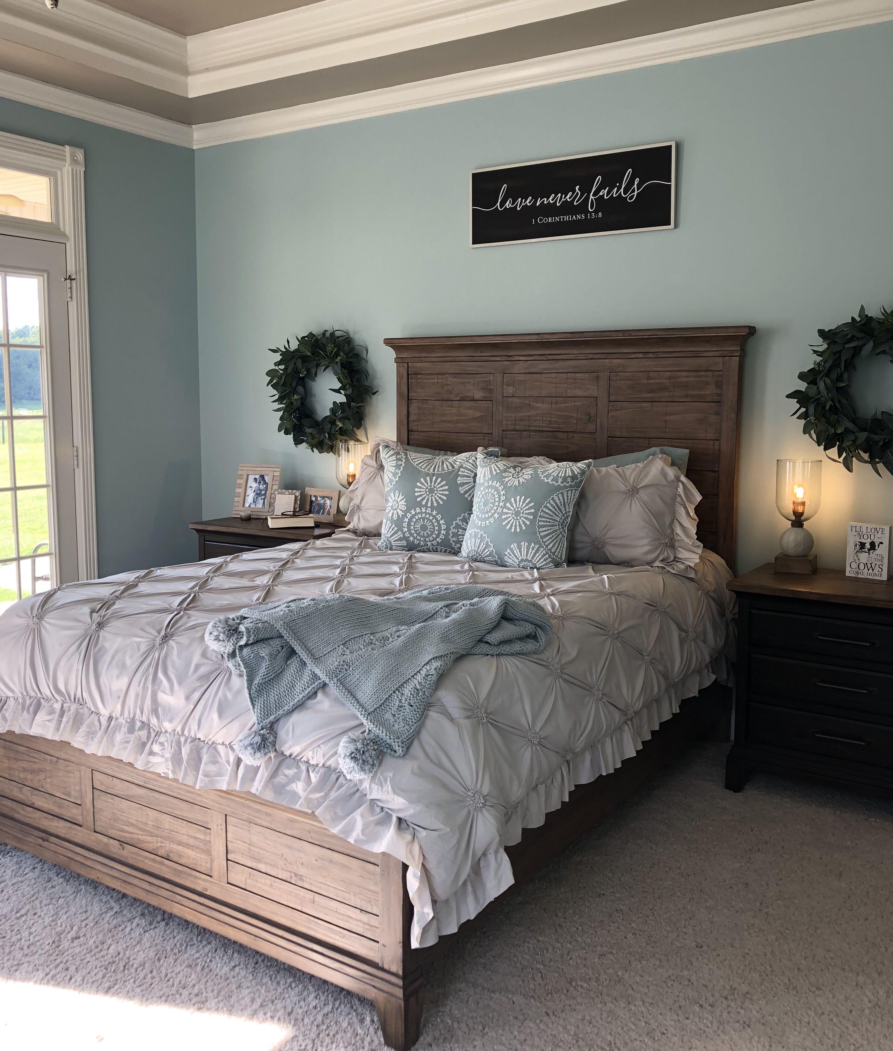 master bedroom valspar sparkling lake valspar bedroom on lake house interior paint colors id=86222