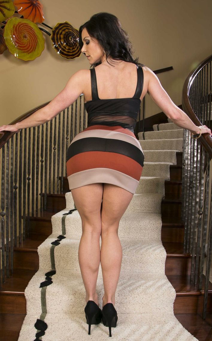Tight skirted sexy mature woman #12