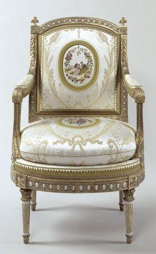 Le mobilier de Versailles Fauteuil Louis XVI / via QUEMEREUC