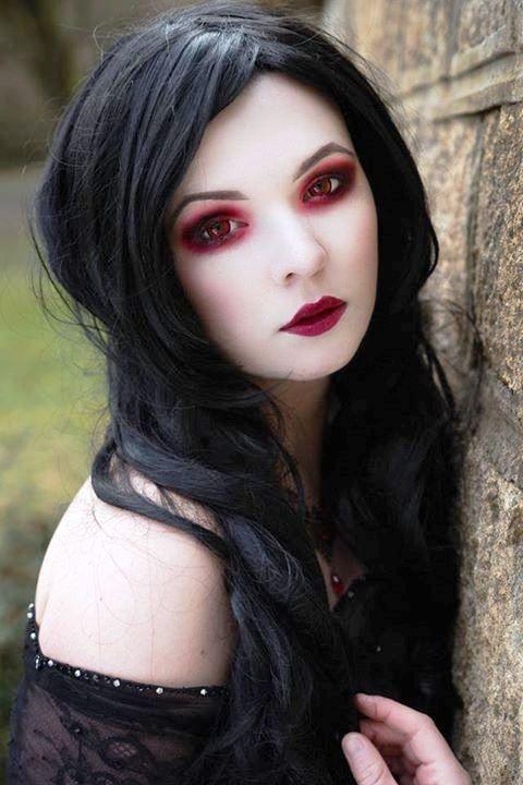 Gothic Vampire Vampire Makeup Goth Beauty Vampire Halloween Costume