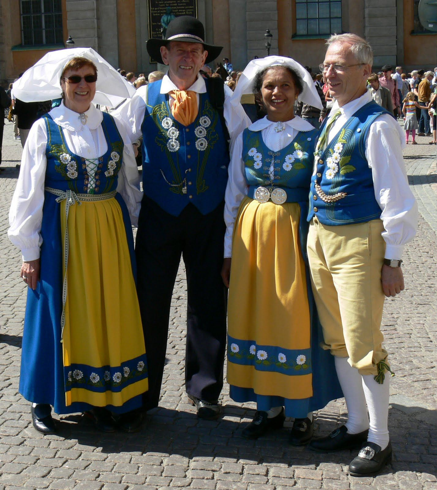 traditional swedish clothing