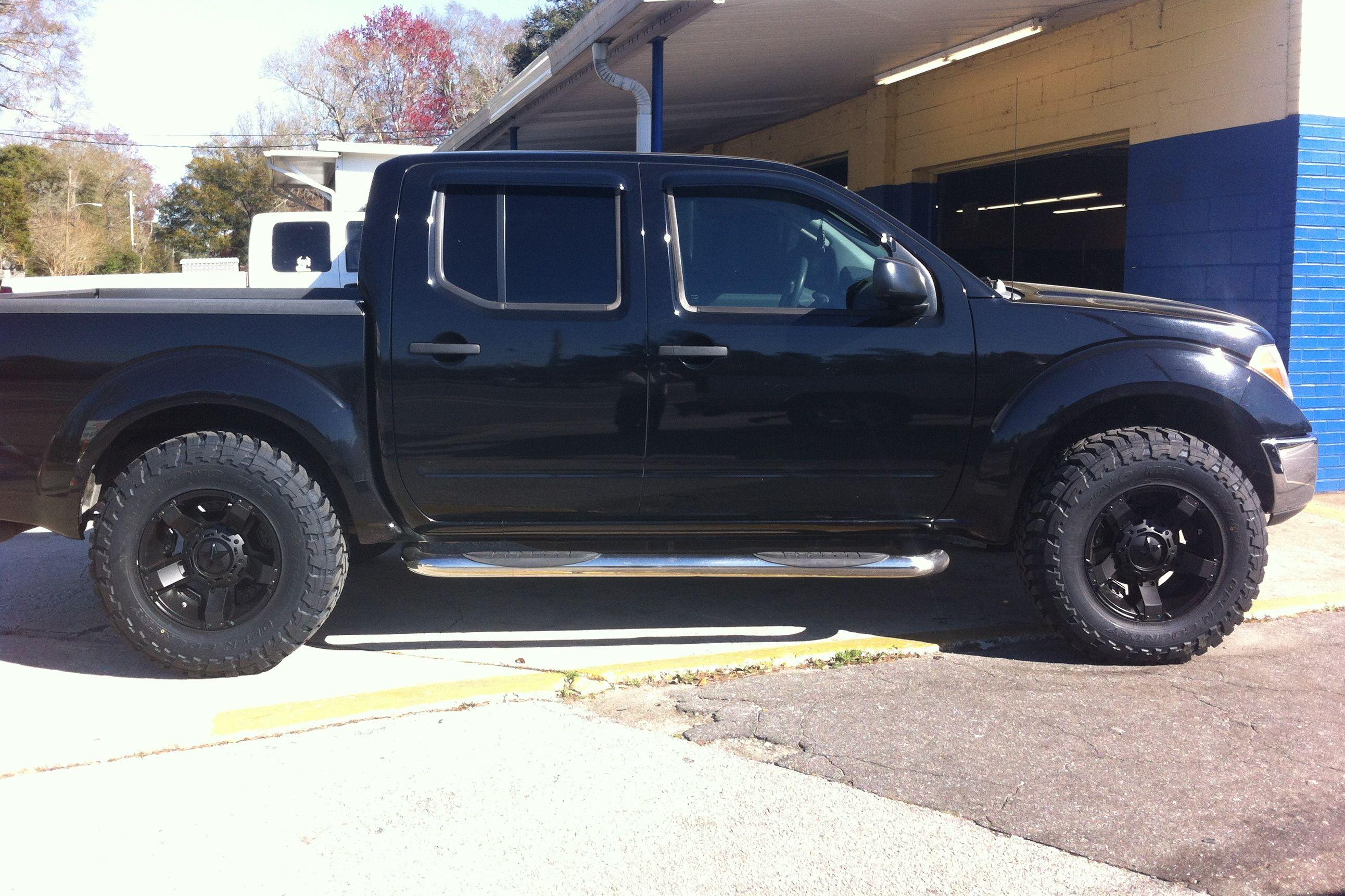 2011 33 17 Toyo Mud Terrain Nissan Truck Wheels Leveling Kit Black Xd Frontier Rockstar 2 Wo 2007755 Cropped Jpg 2584 1722 Nissan Trucks Nissan Nissan Navara