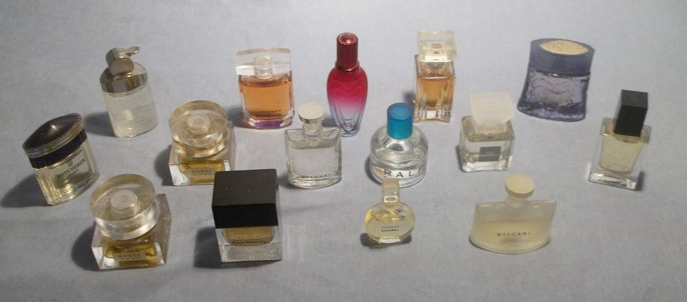Vintage lot of 15 Miniature Mini Perfum Parfum Bottles, Gucci / Chanel / Sicily