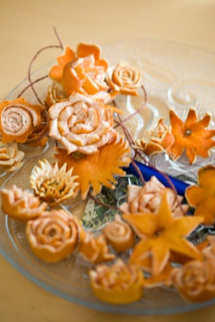 Flower Workshop: Aunt Hakojärvens orange decorations