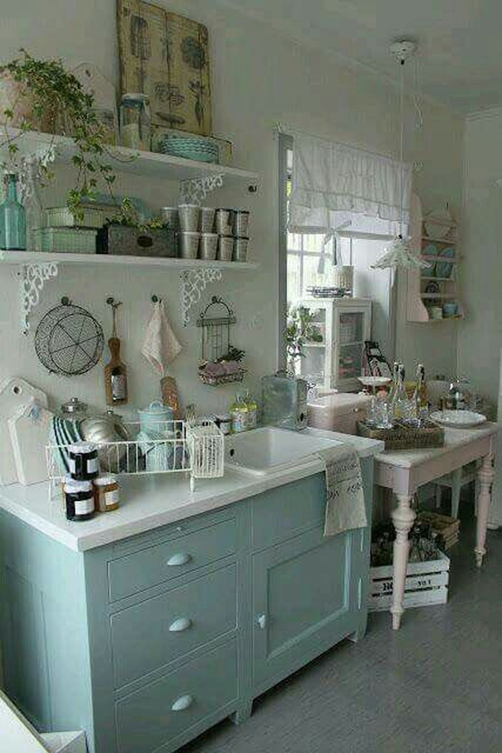 31 Stunning Farmhouse Kitchen Ideas On A Budget Ideal Integrated Timeless Trends Cottage Chic Kitchen Chic Kitchen Decor Shabby Chic Kitchen Decor