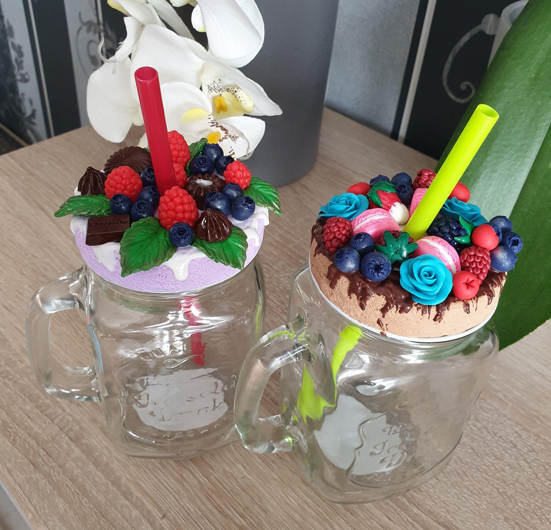Weckglas Becher Beere mit Blumendekor.