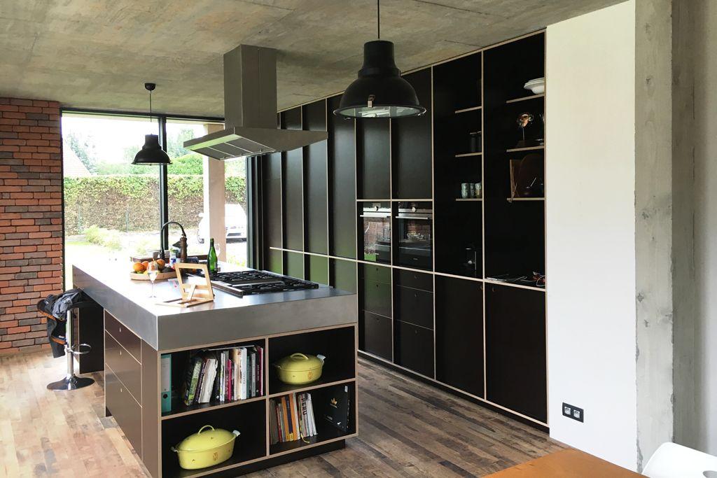 Inox Design Keukens : Strakke moderne keuken in betonplex en inox ultra modern kitchen