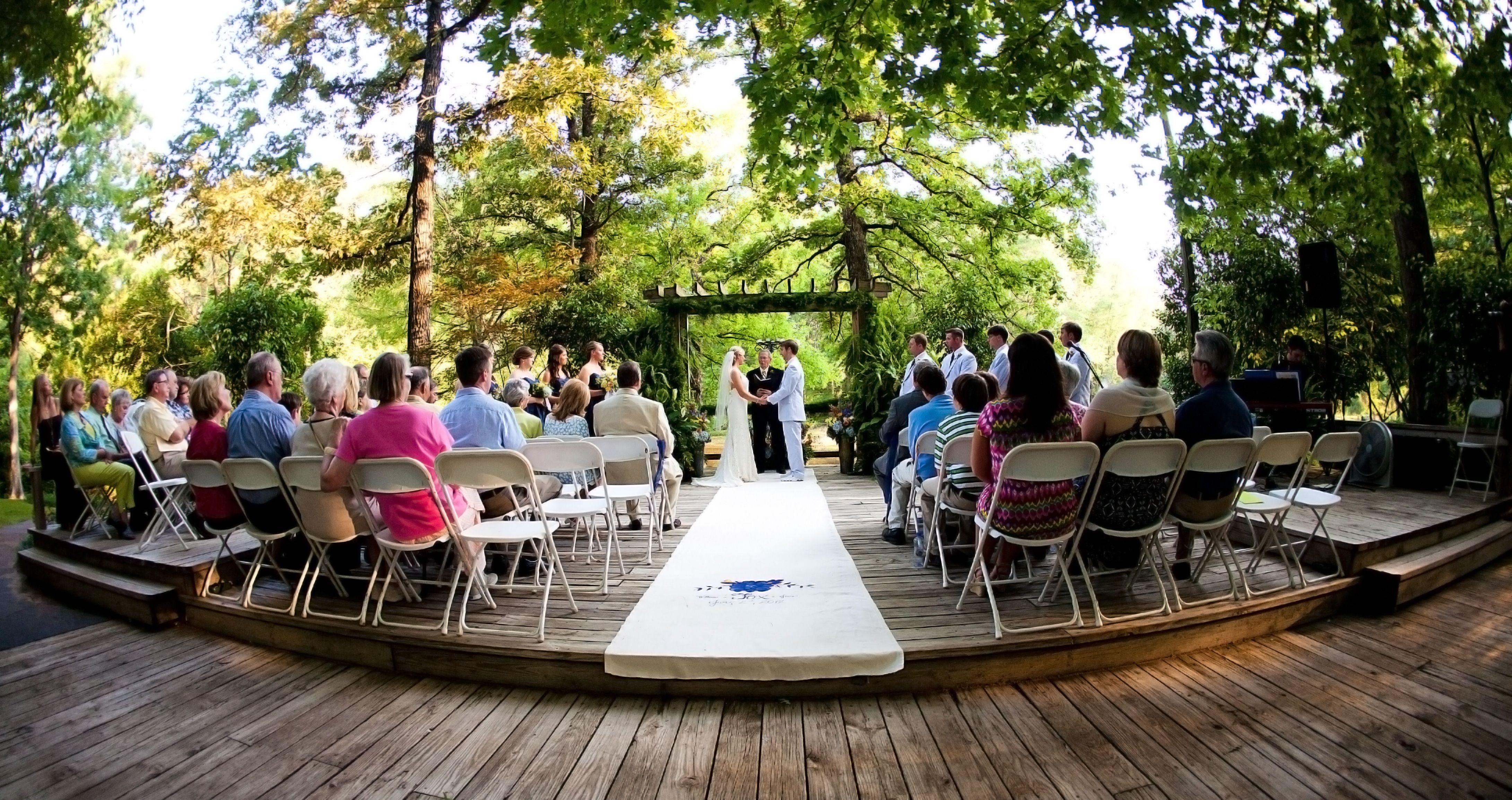 Find Wedding Venues Northwest Arkansas At Avondale Chapel And Gardens Creekwood Holiday Inn Springdale AR The Old Mill NJ Pinnacle