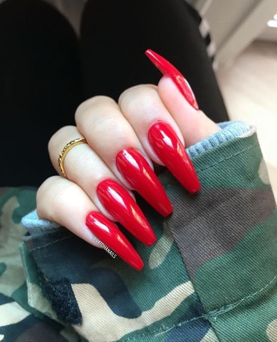 28 Trendy and Cozy Red Nail Art Designs - Fashion 2D