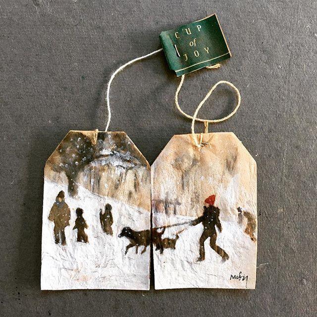 Cup of Joy, teabag art / ganz tolle Idee: alte Teebeutel neu bemalt. Dazu gibt es sogar ein eigenes Buch. #hjemmelavedegaver