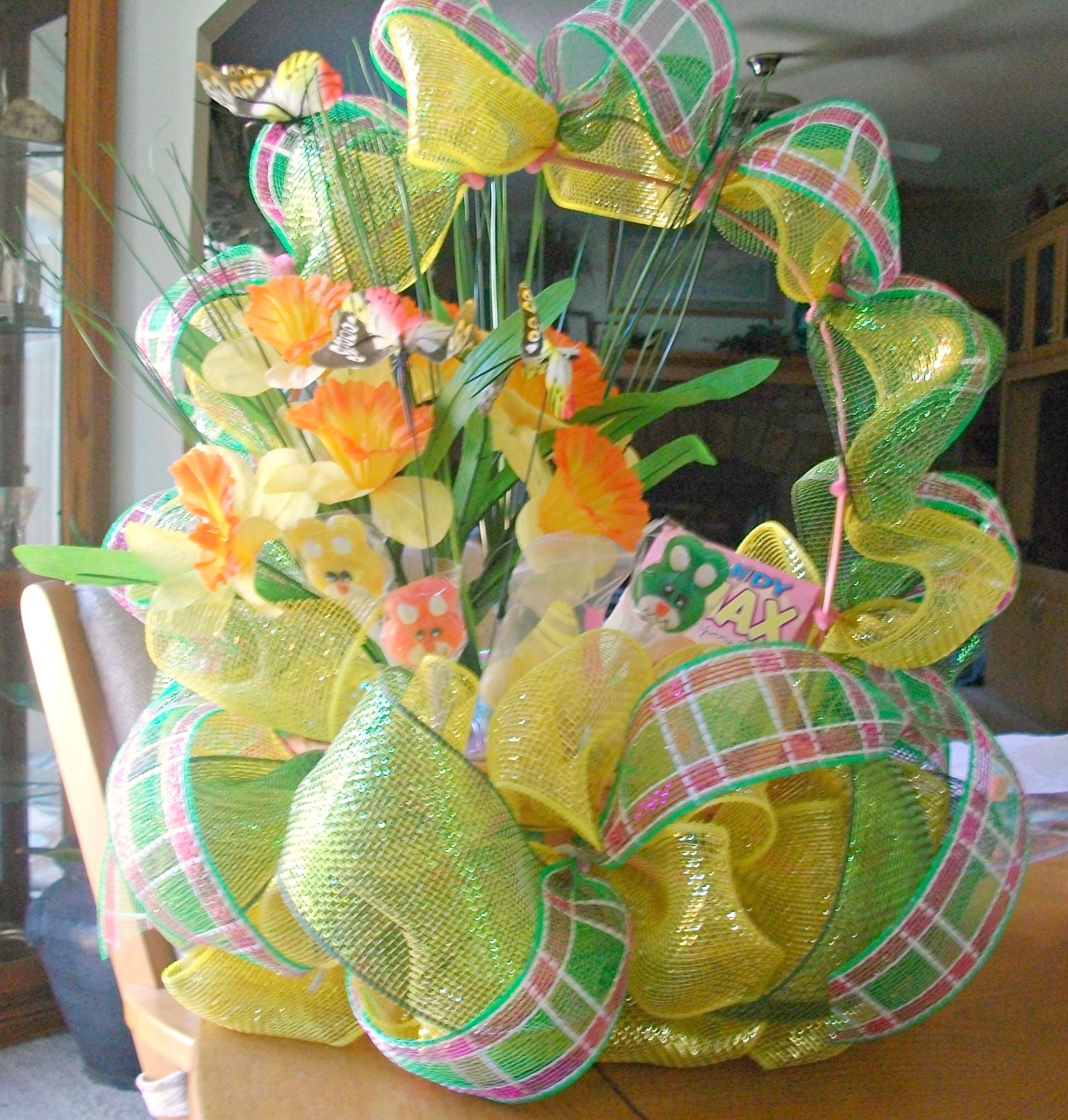 Decomesh easter basket using a basket from the dollar tree decomesh easter basket using a basket from the dollar tree negle Image collections