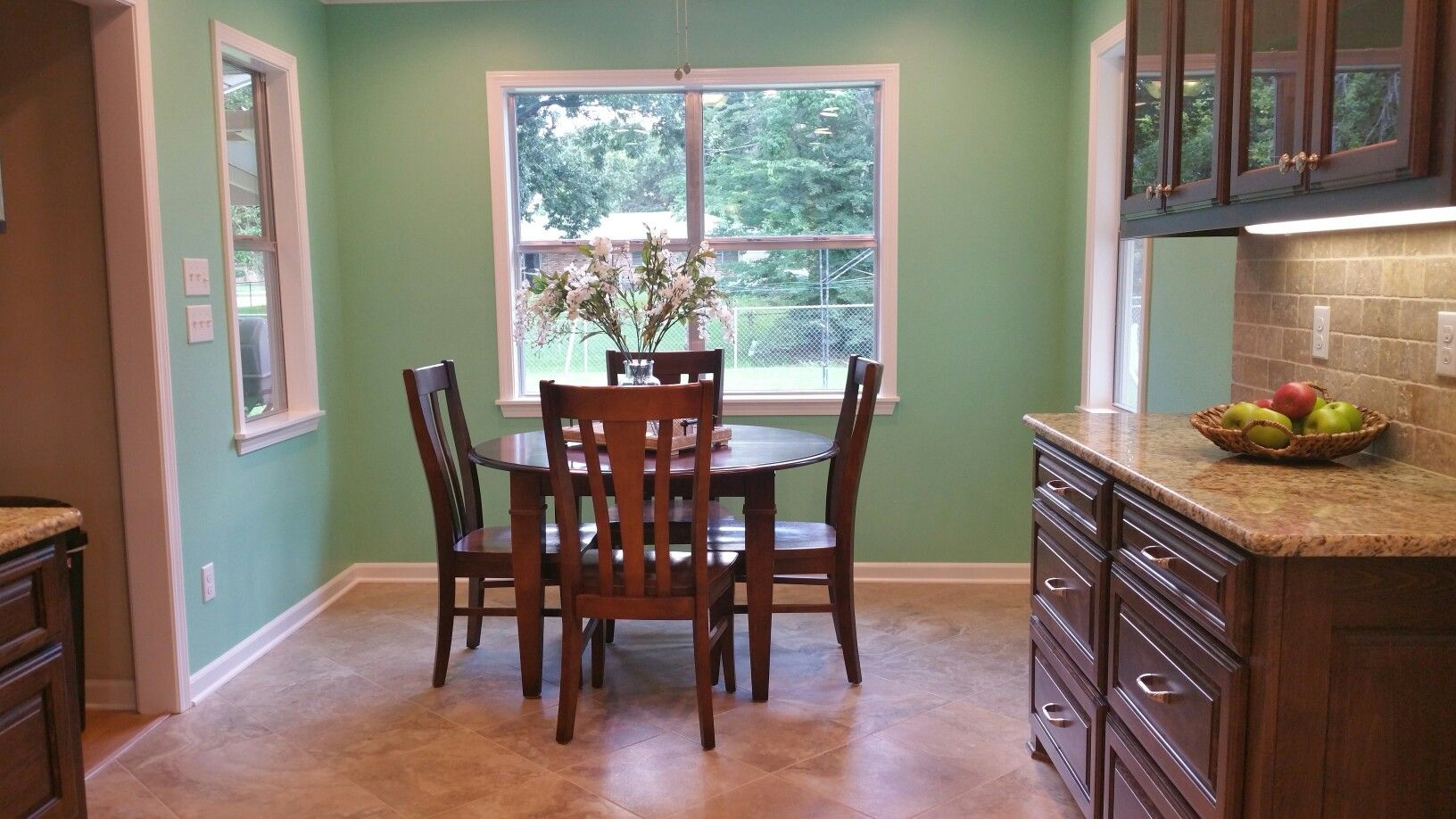 Kitchen remodel with sherwin williams retro mint wall for Retro kitchen paint colors