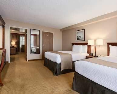 Embassy Suites San Francisco Airport South San Francisco Hotel Ca Double Bedroom Suite Bedroom Hotel Low Ceiling Suites