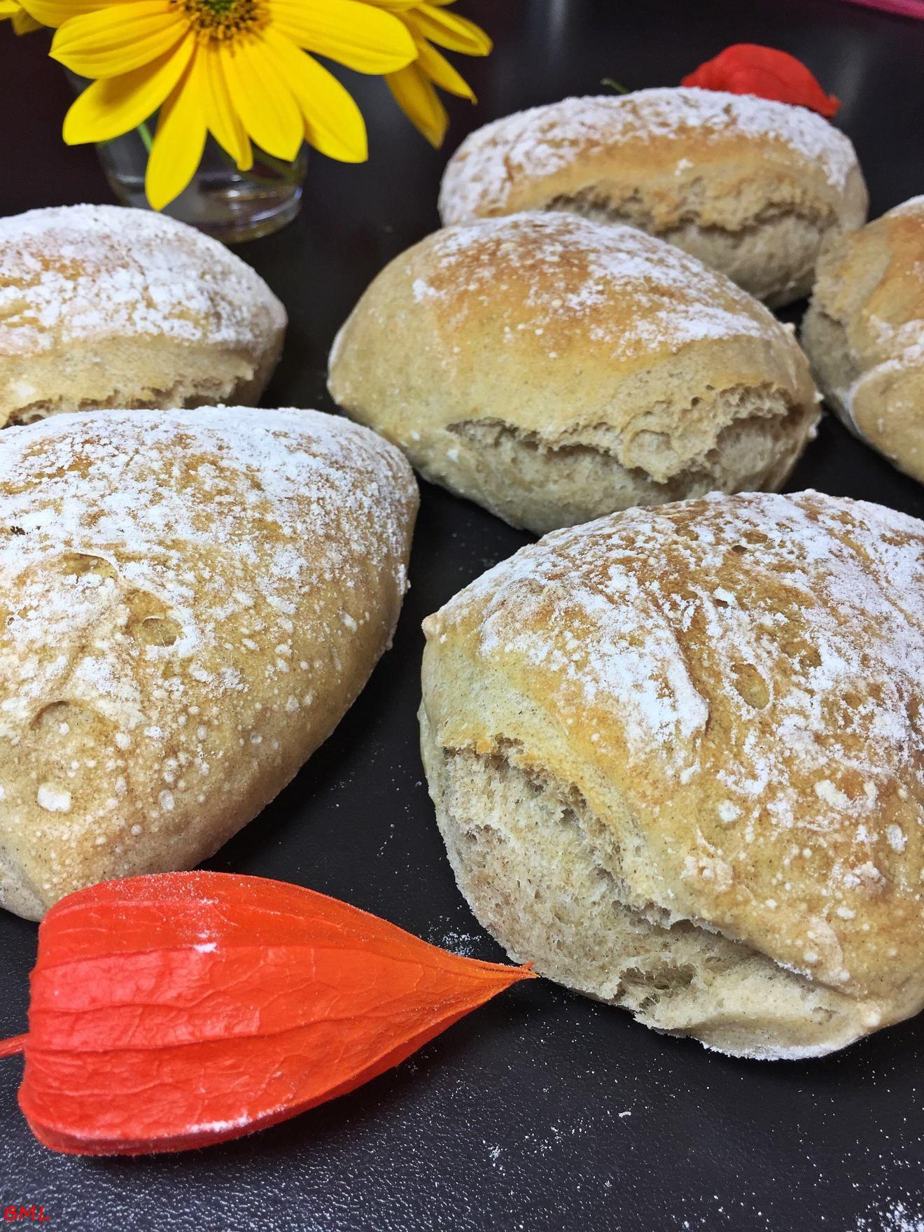 Rustikale Bürli´s | Brötchen | Homemade bread buns, Bread ...