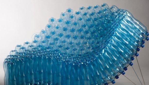 Designerskie Fotel Z Plastikowych Butelek Praktyczny Recykling Super Pomysl Recycle Design Plastic Bottle Crafts Recycled Furniture