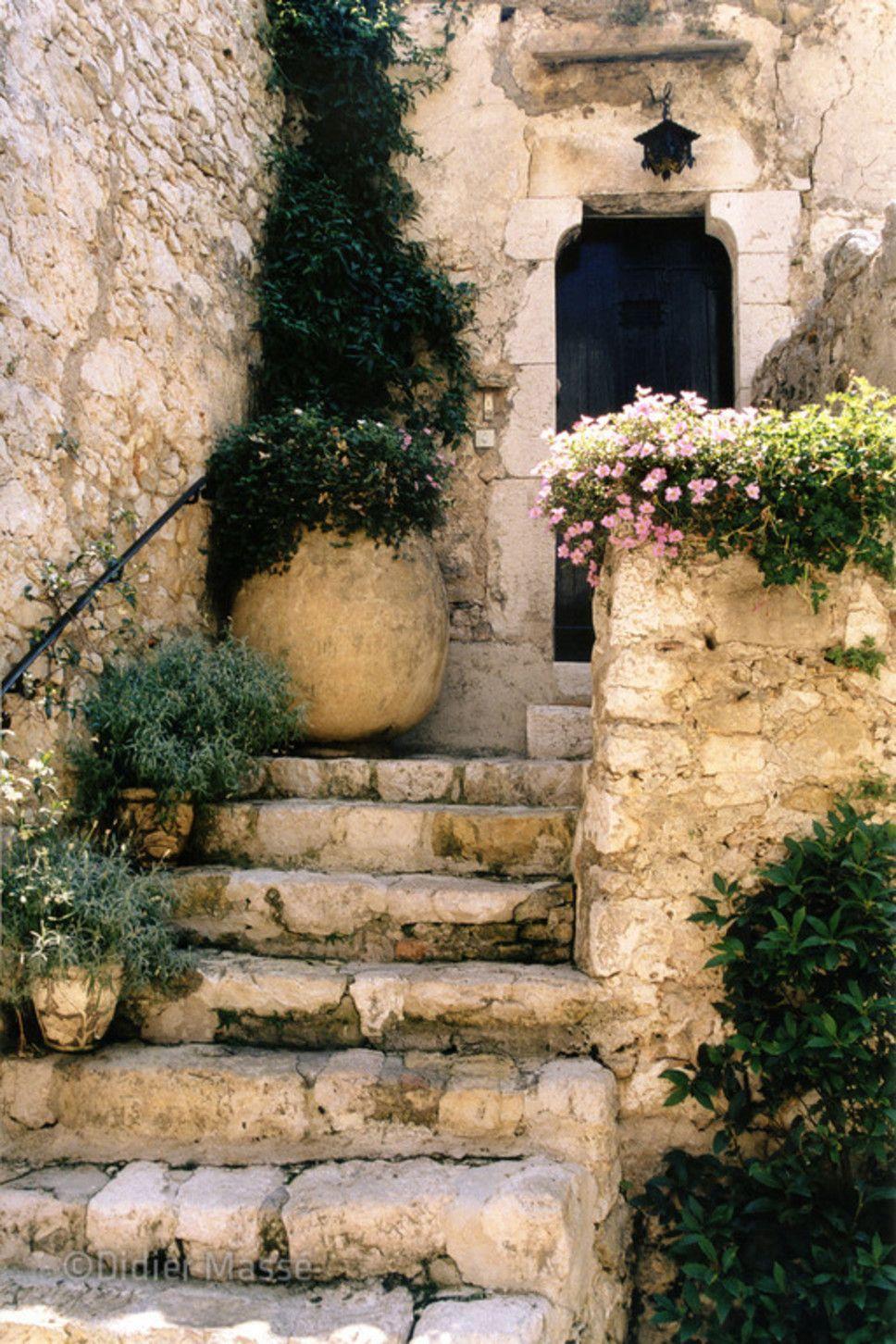 Escalier provençal by Didier Massé (portfolio Façades et autres) Eze…