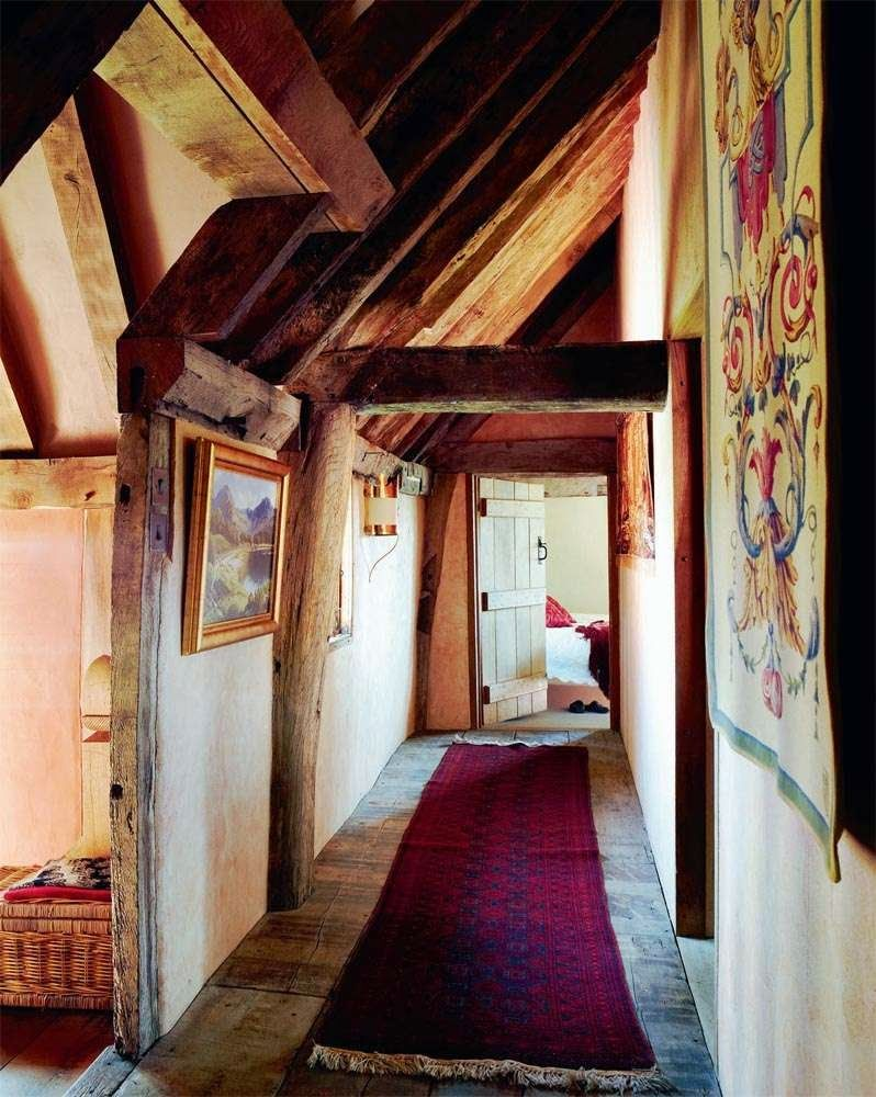 Home Tours: A Charming 14th Century English Cottage