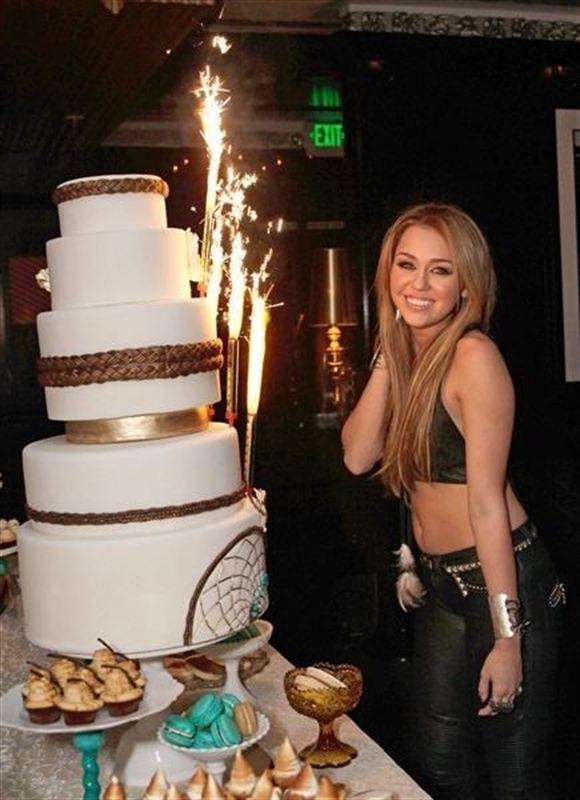 Prime Rubio Miley Cyrus 18Th Birthday Party Miley Cyrus Miley Funny Birthday Cards Online Alyptdamsfinfo