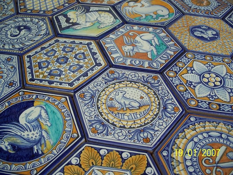 Riproduzione pavimento in maiolica della cappella vaselli in s