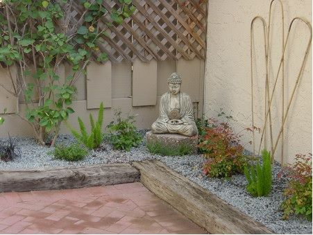 Inspiration for small corner zen garden zen perational for Small zen garden designs