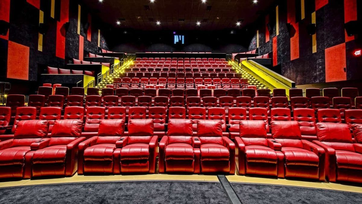 Amc Ceo Believes Shorter Theatrical Releases Will Be The New Standard Amc Theatres Amc Movie Theater Amc