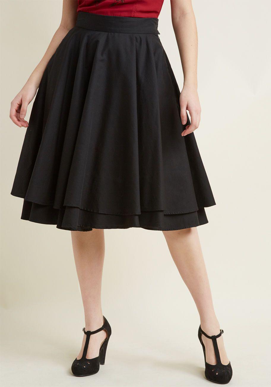 Essential Elegance Midi Skirt in Black | moda | Midi Skirt